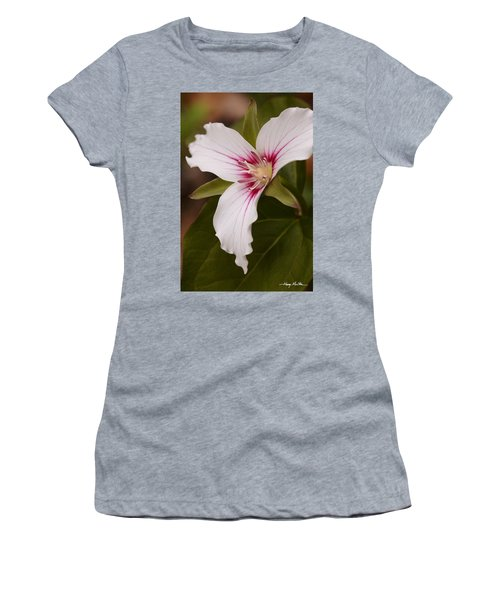 Painted Trillium II Women's T-Shirt