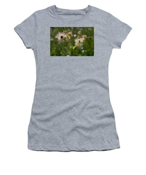 Pale Umbrella Wort Women's T-Shirt