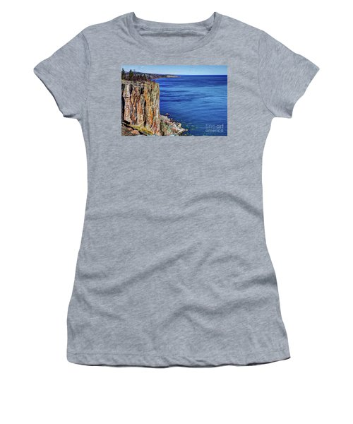 Palisade Head Tettegouche State Park North Shore Lake Superior Mn Women's T-Shirt