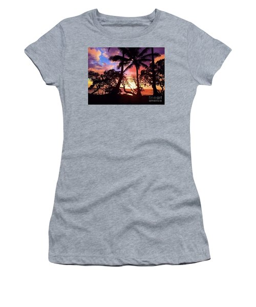 Palm Tree Silhouette Women's T-Shirt (Athletic Fit)