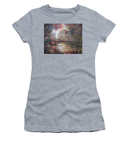Paris - 6 O' Clock In The Morning Women's T-Shirt