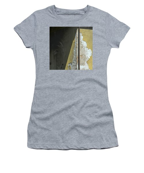 Play Ruin Women's T-Shirt (Athletic Fit)