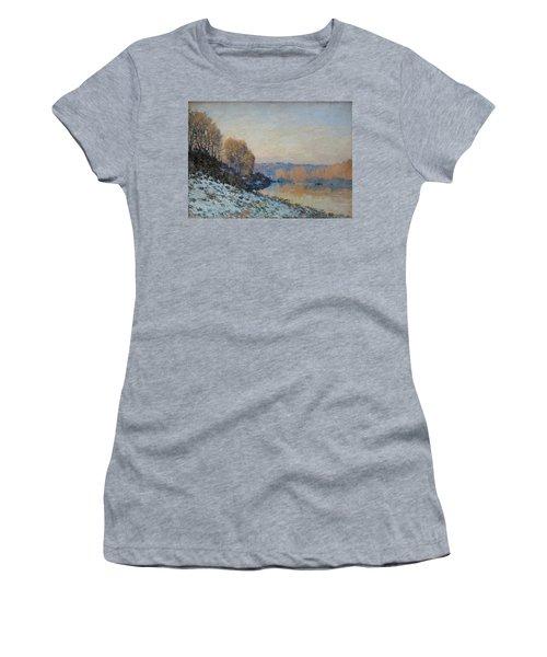 Port Marly, Hoarfrost  Women's T-Shirt