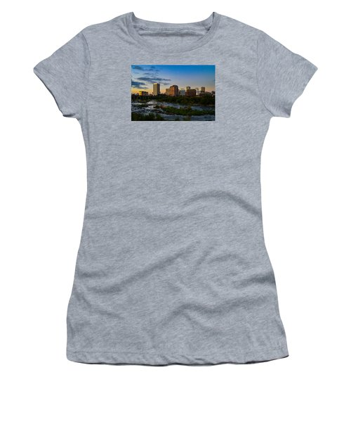 Richmond Skyline At Dusk Women's T-Shirt (Athletic Fit)