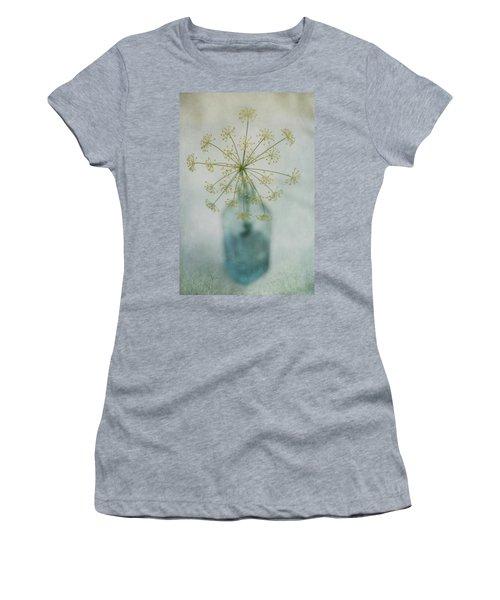 Round Dance Women's T-Shirt