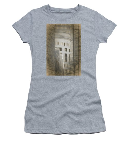 Round In A Square World Women's T-Shirt (Athletic Fit)