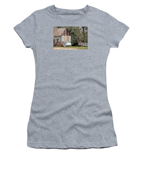 Rusted Tin Shed In Burnt Corn Women's T-Shirt (Athletic Fit)