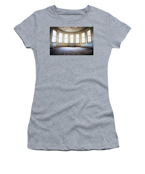 Seven Windows Women's T-Shirt (Athletic Fit)