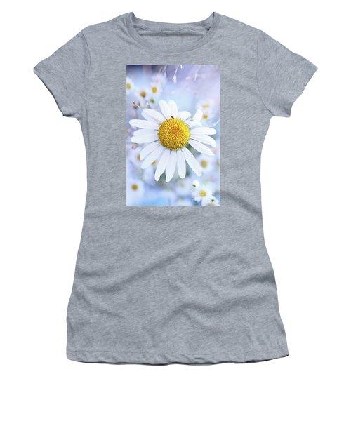 Shasta Daisy Women's T-Shirt (Junior Cut) by Stephanie Frey