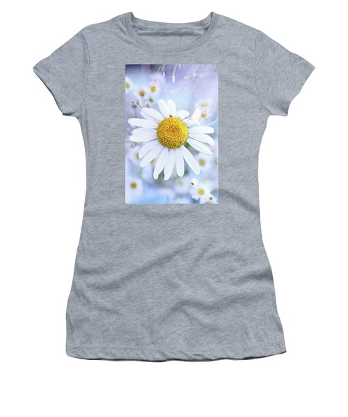 Shasta Daisy Women's T-Shirt (Athletic Fit)