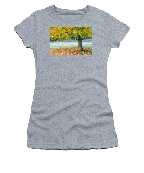 Showing Off Women's T-Shirt