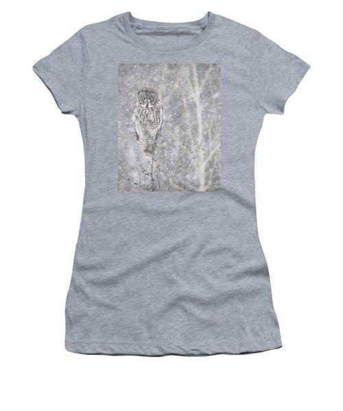 Women's T-Shirt (Junior Cut) featuring the photograph Silent Snowfall Portrait by Everet Regal