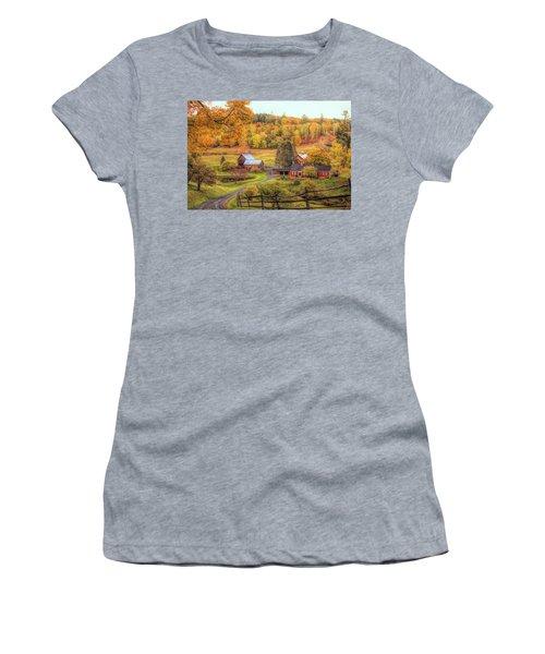 Sleepy Hollow - Pomfret Vermont In Autumn Women's T-Shirt