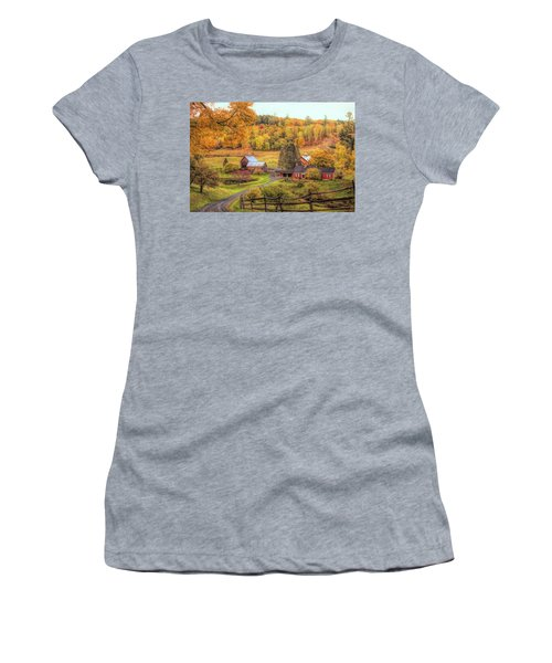 Sleepy Hollow - Pomfret Vermont In Autumn Women's T-Shirt