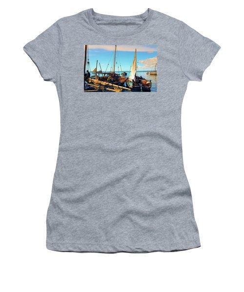 Sleepy Sail Boats Zanzibar Women's T-Shirt (Athletic Fit)