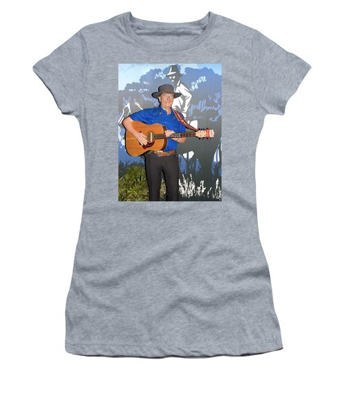 Slim Dusty Women's T-Shirt