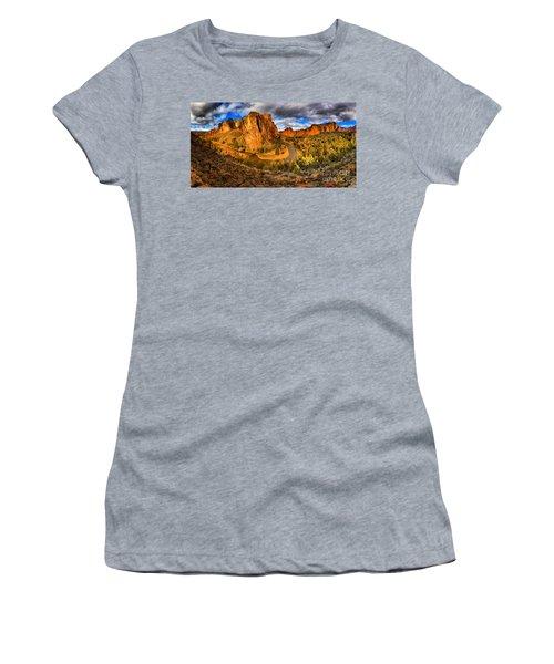 Smith Rock Panorama Women's T-Shirt