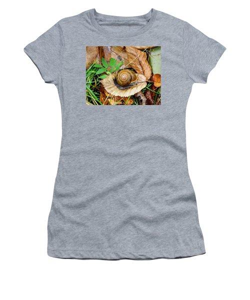 Snail Home Women's T-Shirt