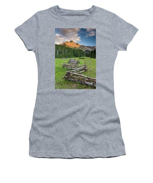 Sneffels Fence Vertical Women's T-Shirt