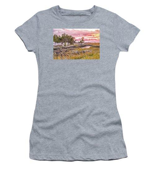 Snow Sunset -marsh View Women's T-Shirt