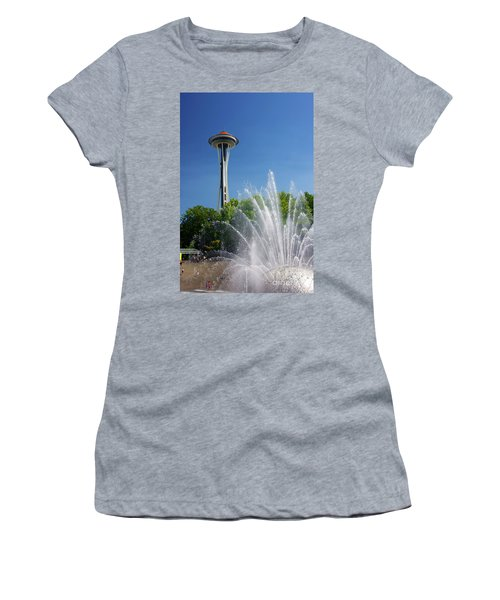Space Needle In Seattle Women's T-Shirt (Athletic Fit)