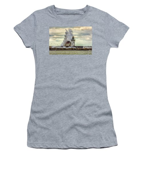 Storm Waves At The Cleveland Lighthouse Women's T-Shirt