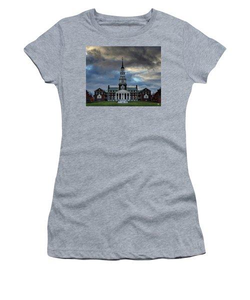 Strength In Turbulence - Cropped Women's T-Shirt