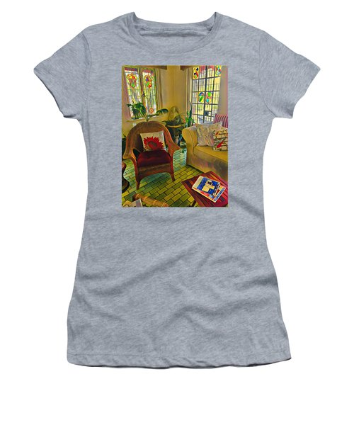 Sunday Chill  Women's T-Shirt