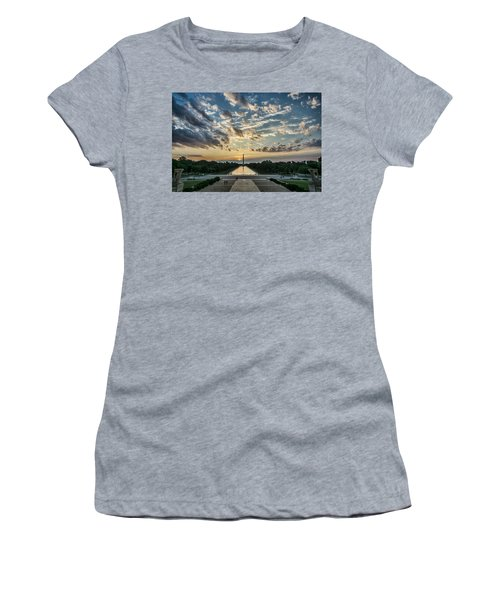 Sunrise From The Steps Of The Lincoln Memorial In Washington, Dc  Women's T-Shirt