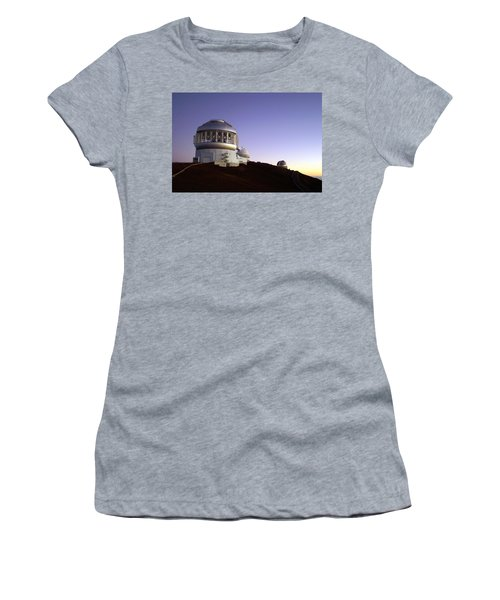 Women's T-Shirt (Junior Cut) featuring the photograph Sunset Over The Mauna Kea Observatories On Kona by Amy McDaniel