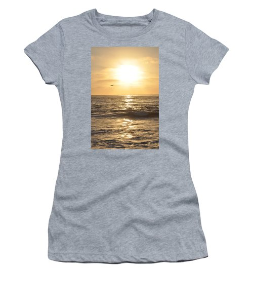 Sunset Pelican Silhouette Women's T-Shirt
