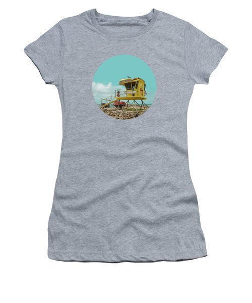 T7 Lifeguard Station Kapukaulua Beach Paia Maui Hawaii Women's T-Shirt (Athletic Fit)