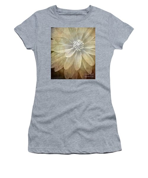 Textured Dahlia Women's T-Shirt