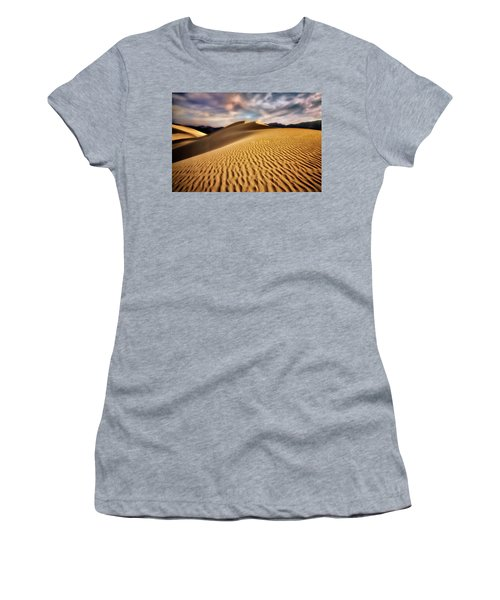 Textured Dunes  Women's T-Shirt (Athletic Fit)