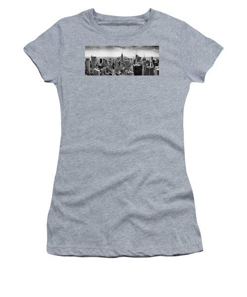 New York City Skyline Bw Women's T-Shirt