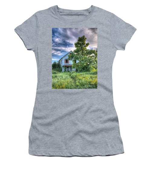 The Nathaniel White Farm House Women's T-Shirt