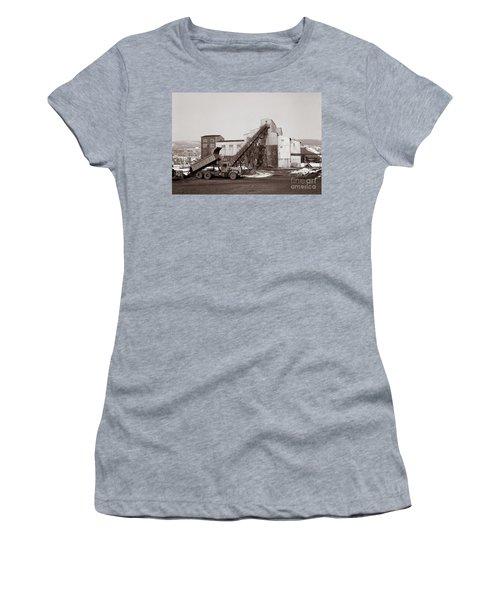 The Olyphant Pennsylvania Coal Breaker 1971 Women's T-Shirt