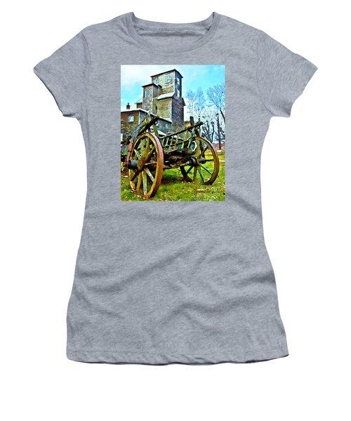 The Pottery - Bennington, Vt Women's T-Shirt (Junior Cut) by Tom Cameron