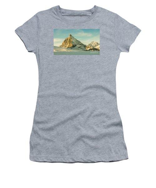The Sun Sets Over The Matterhorn Women's T-Shirt