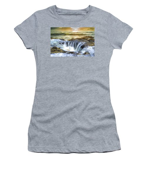 Thor's Well - Oregon Coast Women's T-Shirt