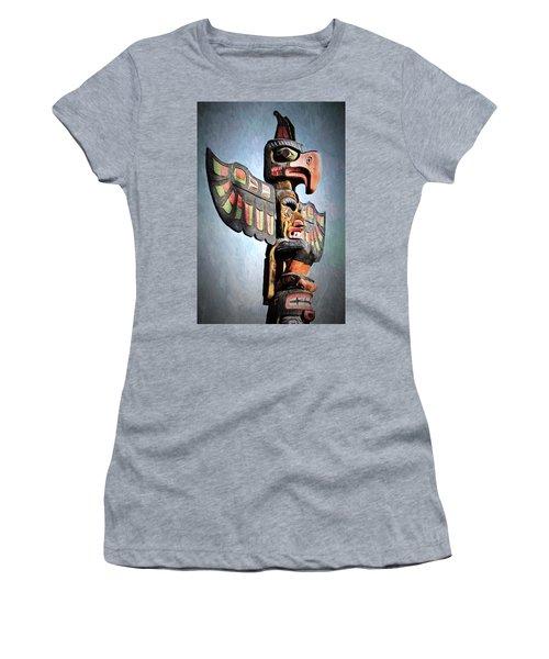 Thunderbird Totem Pole - Thunderbird Park, Victoria, British Columbia Women's T-Shirt