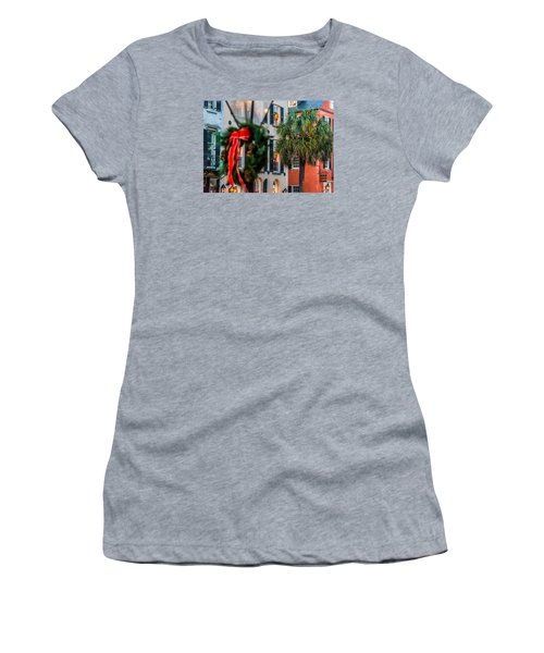 Tis The Season - Charleston Sc Women's T-Shirt (Athletic Fit)