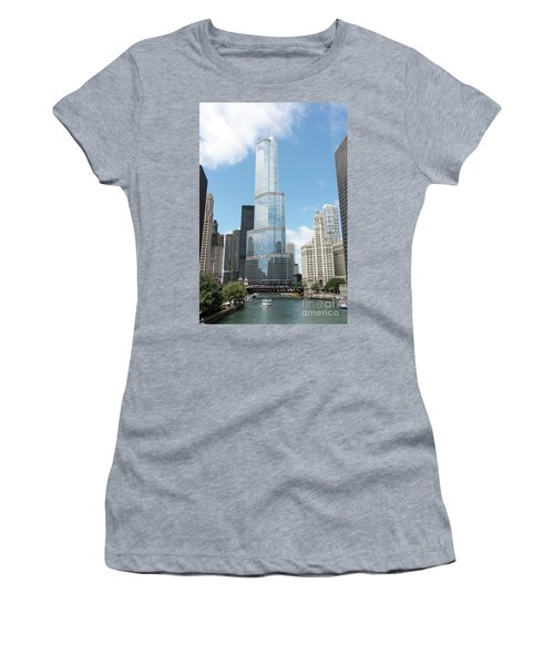 Trump Tower Overlooking The Chicago River Women's T-Shirt