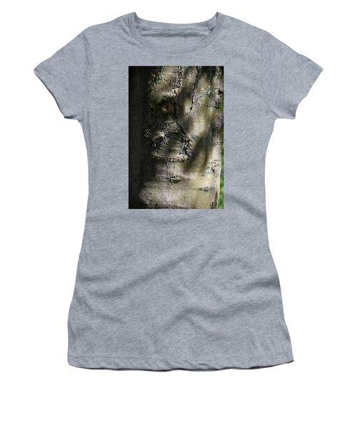 Trunk Knot Women's T-Shirt