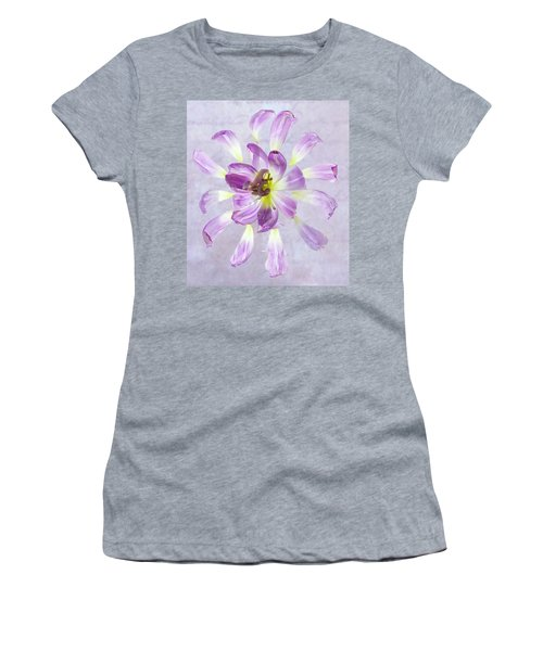 Tulip Patterns  Women's T-Shirt
