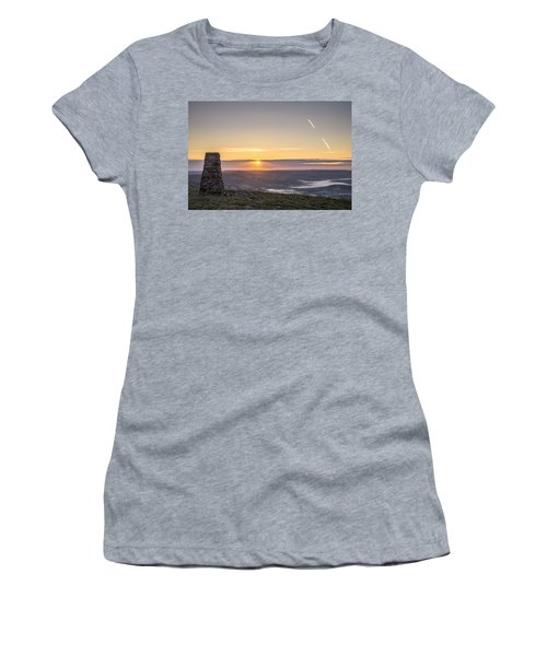 View Over The Hope Valley From Mam Tor At Dawn Women's T-Shirt