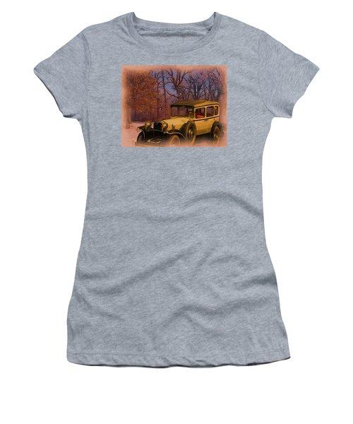 Vintage Auto In Winter Women's T-Shirt