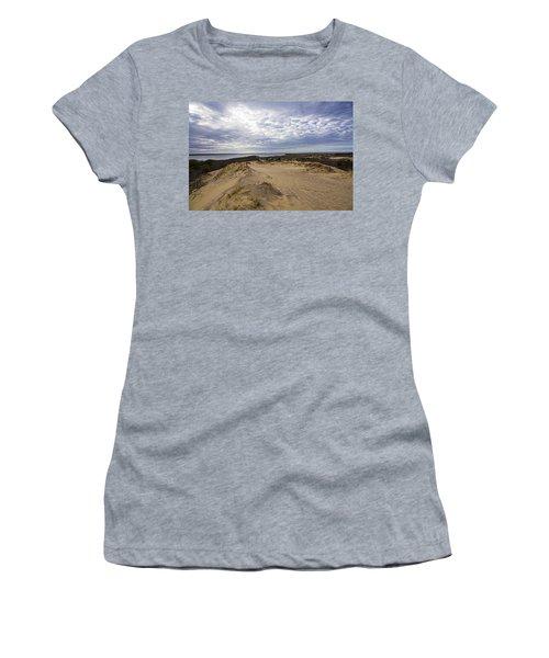 Walking Dunes Montauk Women's T-Shirt (Athletic Fit)