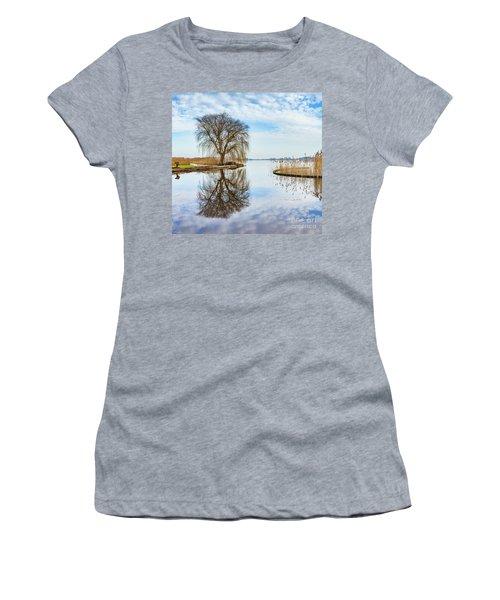 Weeping-willow-1 Women's T-Shirt (Junior Cut)