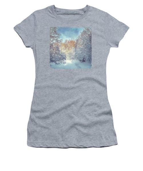 White Blanket - Winter Landscape Women's T-Shirt